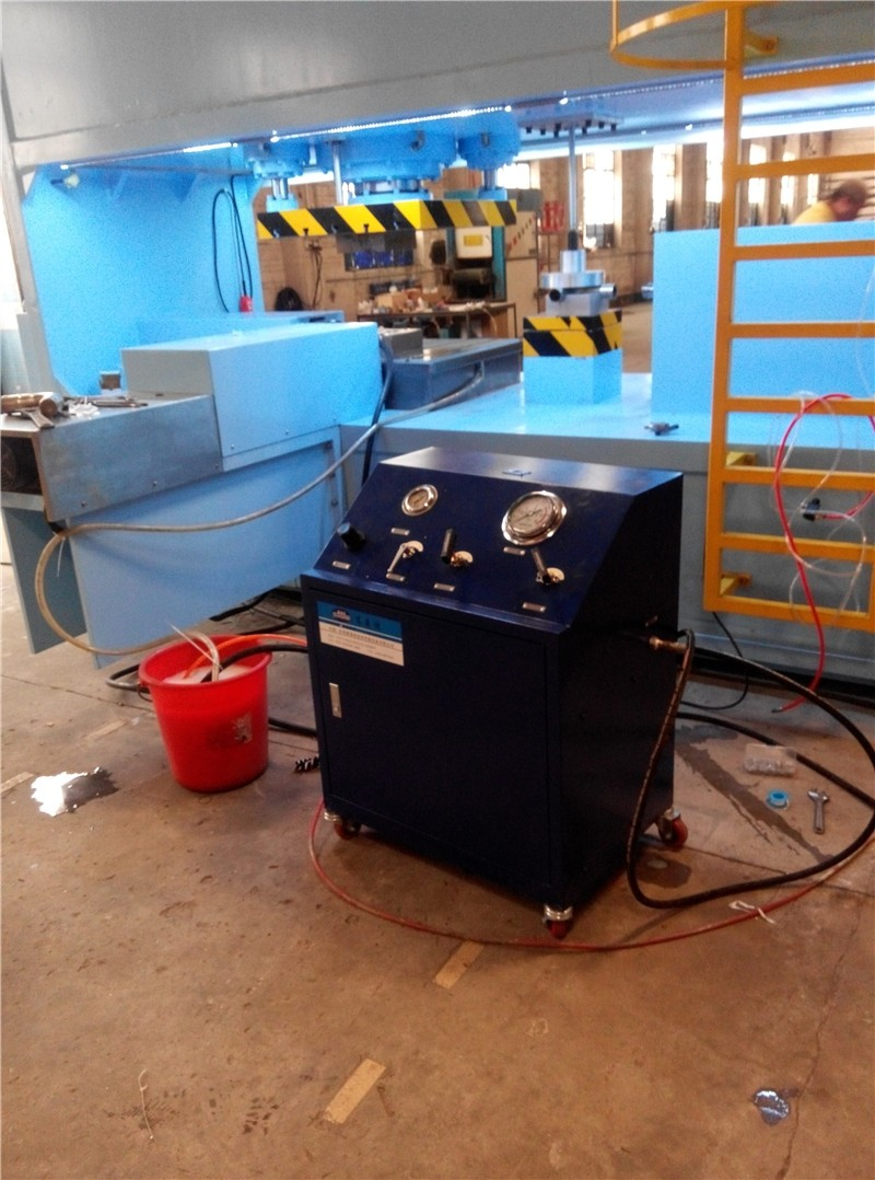 news-This is a Suncenter rivet riveting machine with a strength And face value-Suncenter-img