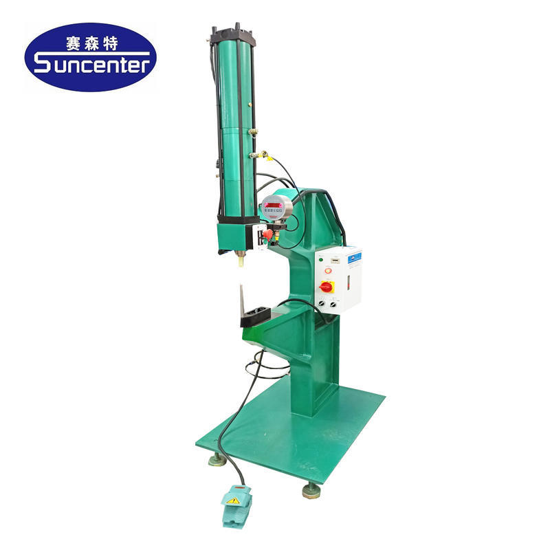 Pneumatic automatic riveting machine