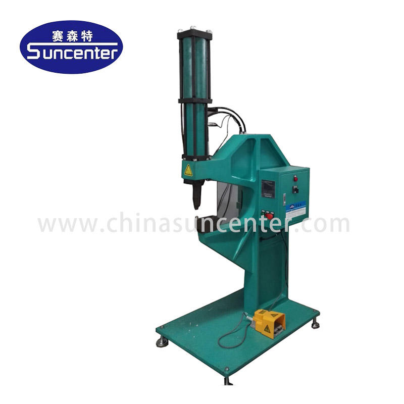 Rivetless riveting machine with 8T power
